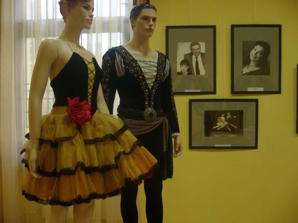 Выставка «Костюмы звезд российского балета» в Сочинском Художественном музее