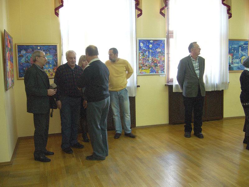 На открытии выставки Куманяева