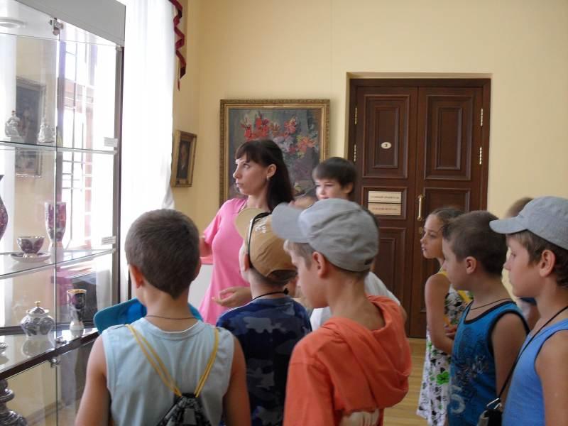 Юные зрители в Сочинском Художественном Музее