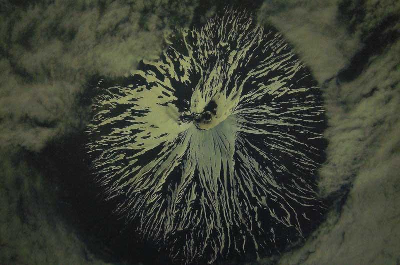 Земля в иллюминаторе. Выставка в Сочинском Художественном музее