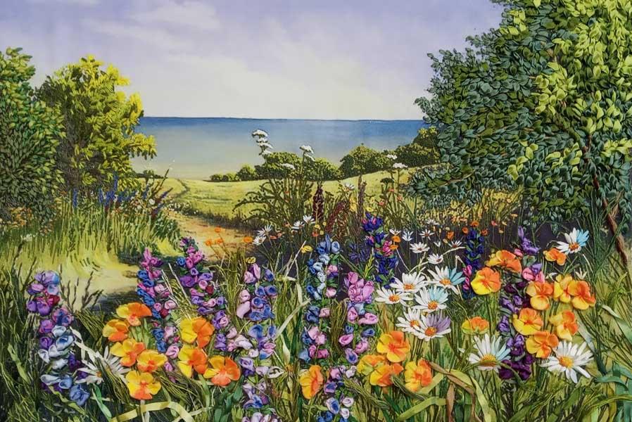 Персональная выставка Ирины Орловой Цветы и ленты